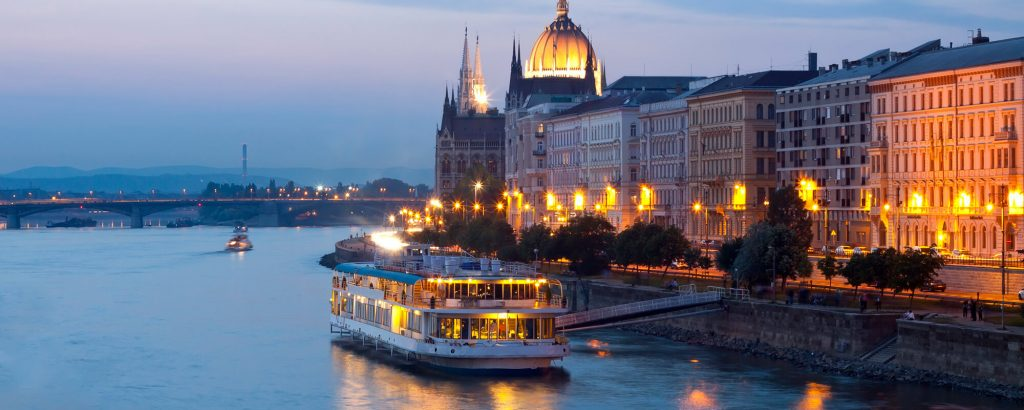 Paseo por el Danubio en Barco